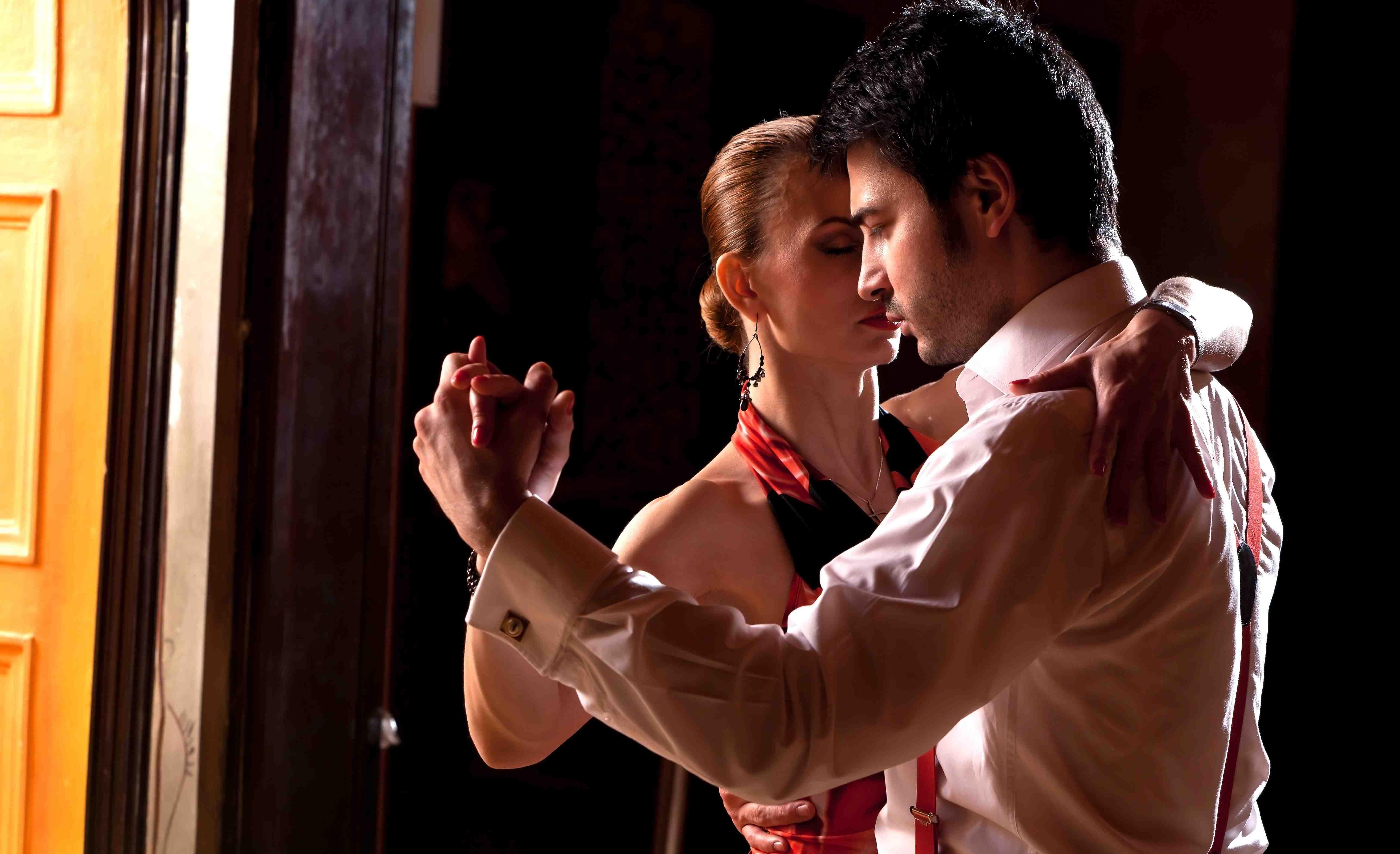 Почему люди обучаются танцам?